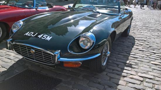 Rallye de voitures de collection anglaises